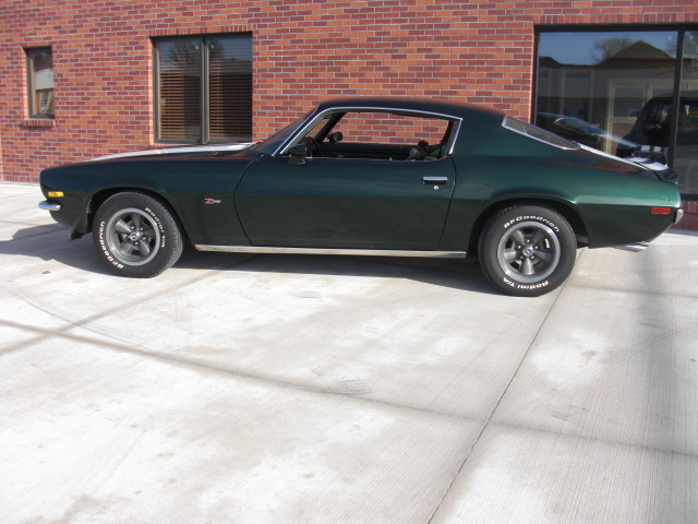 1970 CHEVROLET CAMARO Z/28 COUPE - Side Profile - 82682