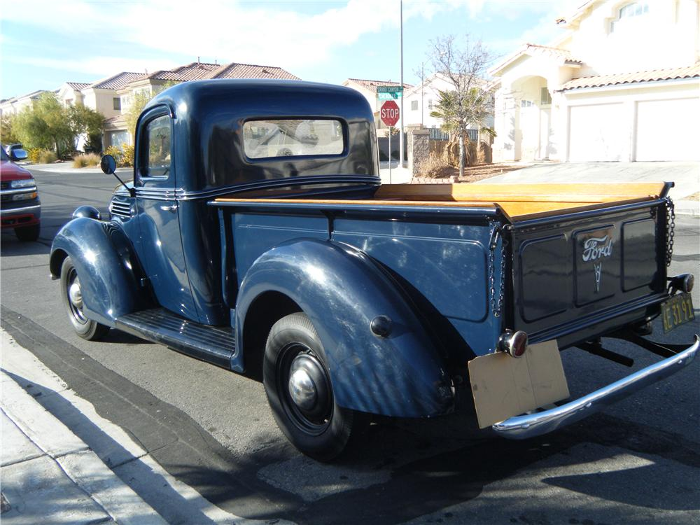 1939 FORD PICKUP - Rear 3/4 - 84153