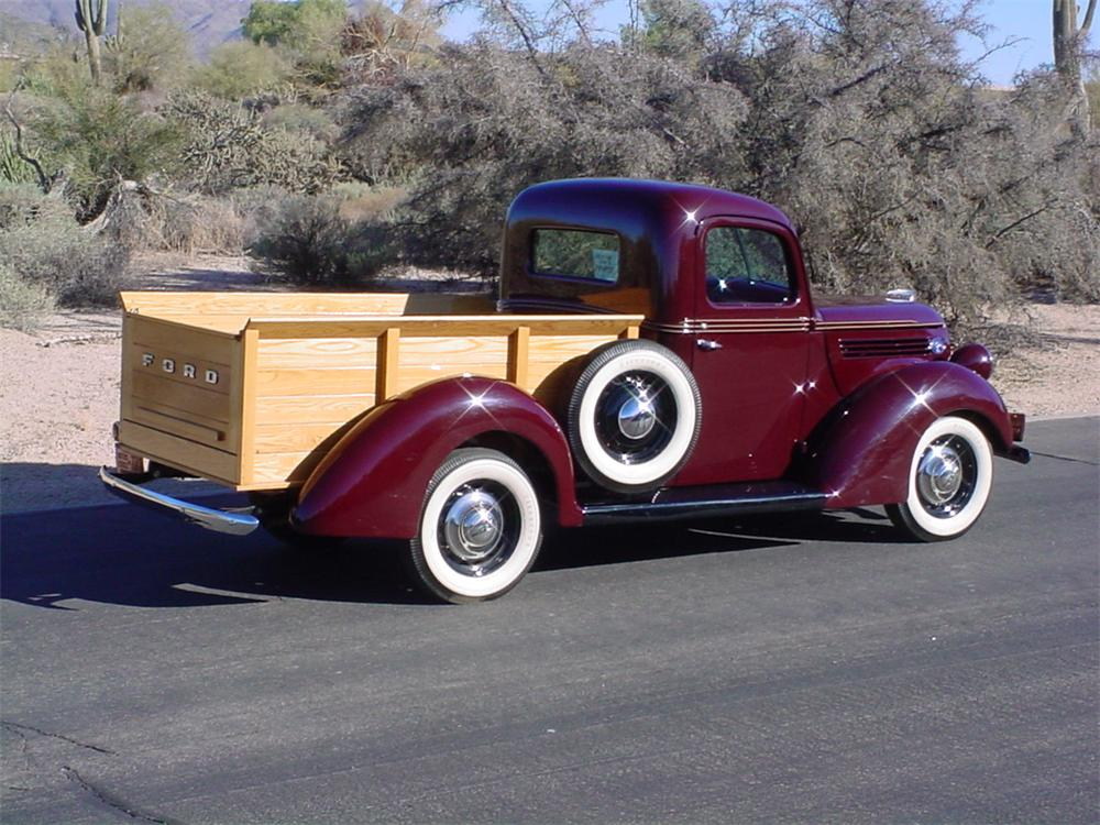 1938 FORD CUSTOM PICKUP - Rear 3/4 - 84173