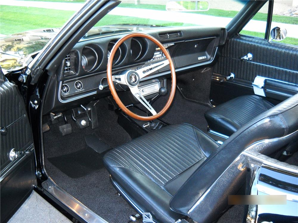 1968 OLDSMOBILE 442 CONVERTIBLE - Interior - 88823