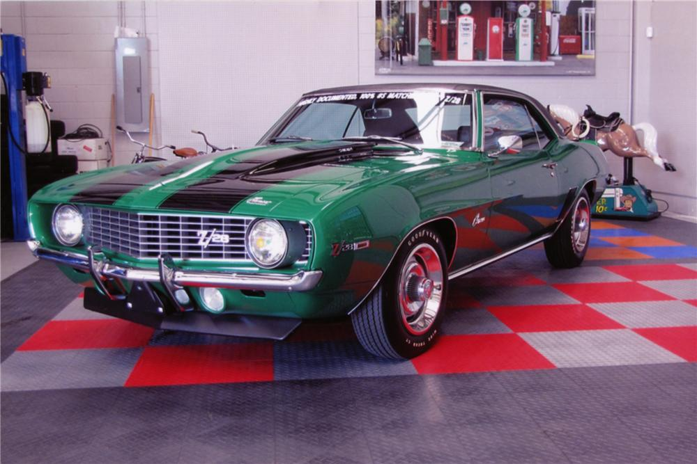 1969 CHEVROLET CAMARO Z/28 COUPE - Front 3/4 - 88827