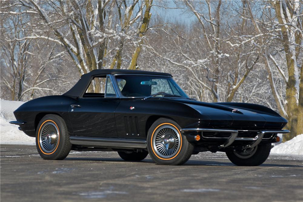 1965 CHEVROLET CORVETTE CONVERTIBLE - Front 3/4 - 88829