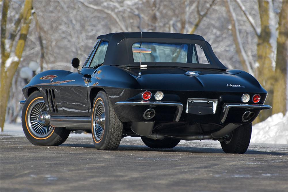 1965 CHEVROLET CORVETTE CONVERTIBLE - Rear 3/4 - 88829