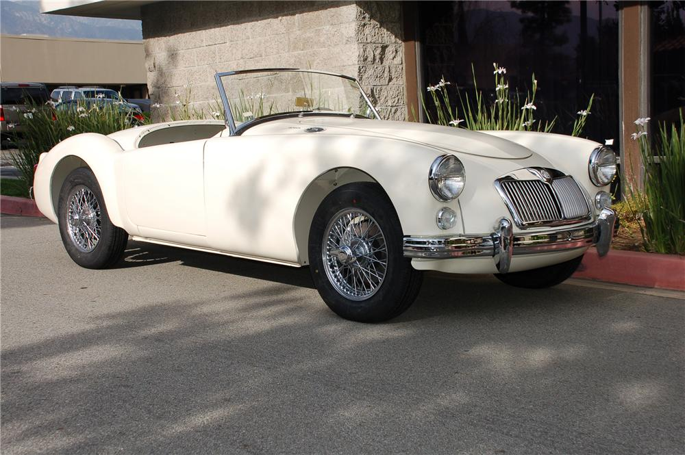 1960 MG A ROADSTER - Front 3/4 - 88833