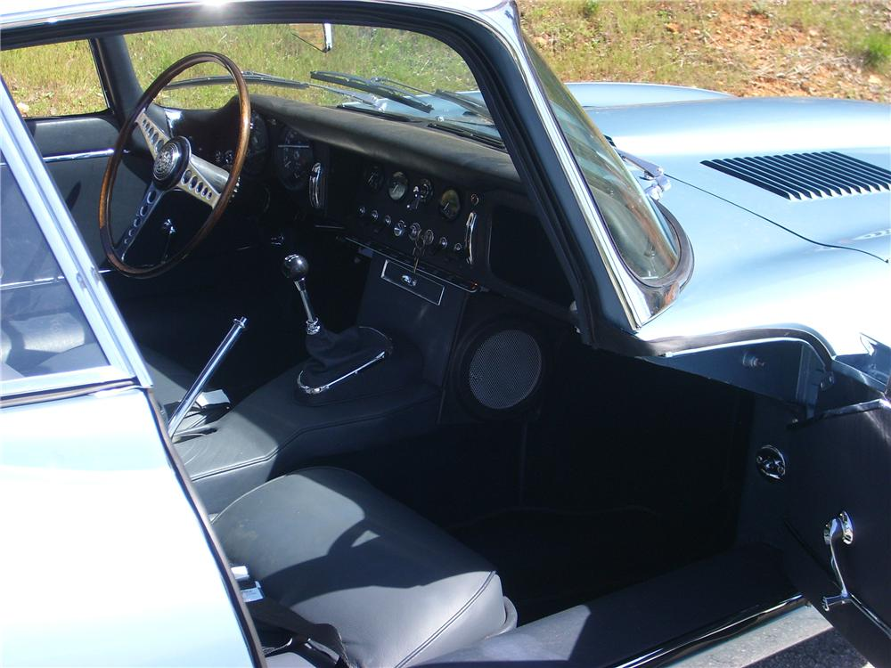 1964 JAGUAR XKE FIXED HEAD COUPE - Interior - 88880