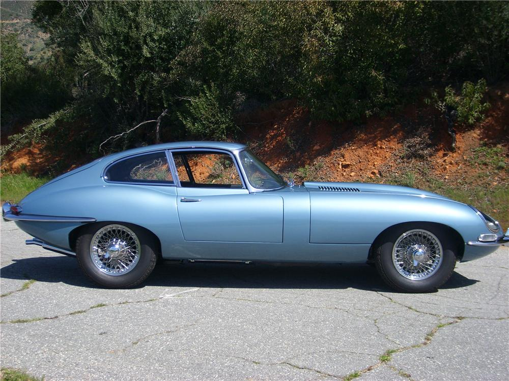 1964 JAGUAR XKE FIXED HEAD COUPE - Side Profile - 88880
