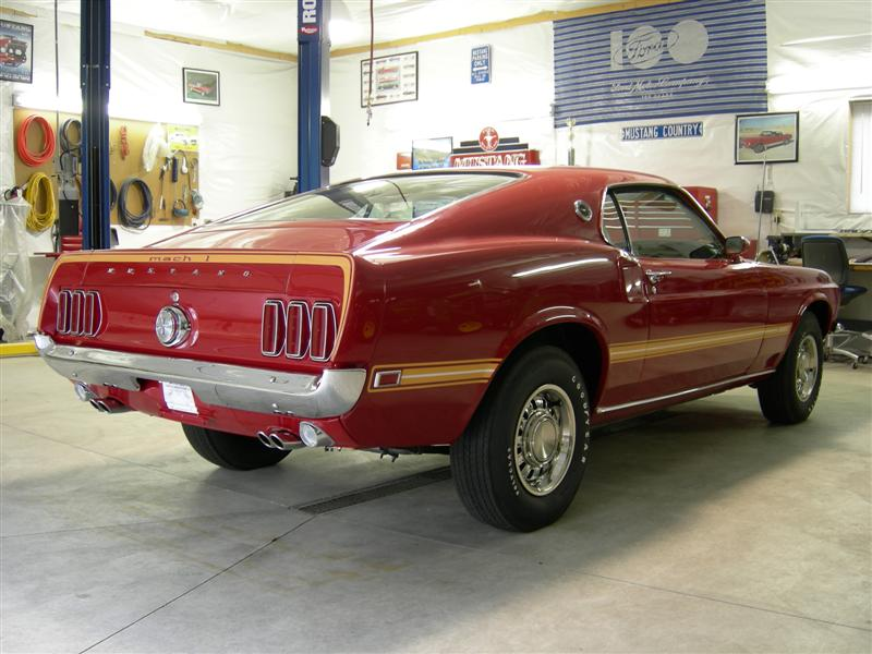 1969 FORD MUSTANG MACH 1 2 DOOR FASTBACK - Rear 3/4 - 88882
