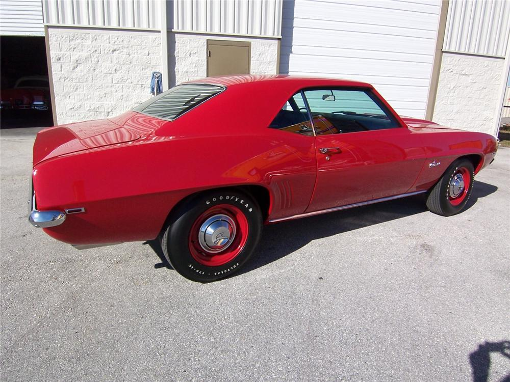 1969 CHEVROLET CAMARO CUSTOM 2 DOOR COUPE - Rear 3/4 - 88885