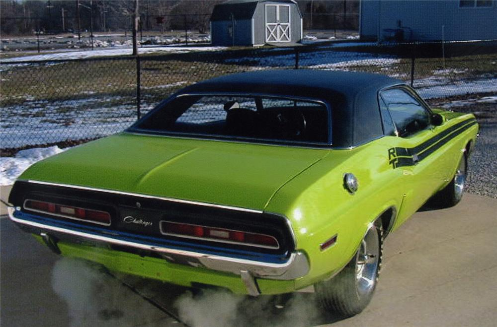 1971 DODGE HEMI CHALLENGER R/T 2 DOOR HARDTOP - Rear 3/4 - 88887