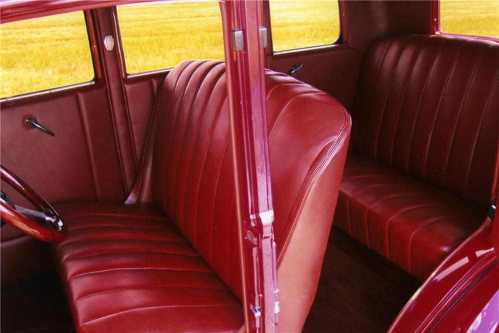 1932 FORD CUSTOM 4 DOOR SEDAN - Interior - 88892