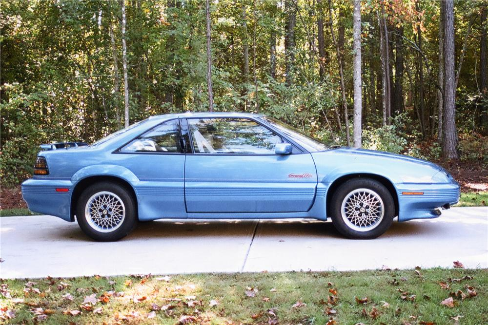 1992 PONTIAC GRAND PRIX RICHARD PETTY LIMITED EDITION - Side Profile - 88894
