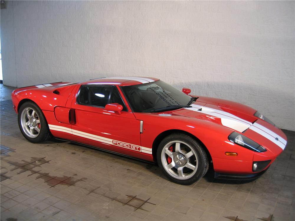 2005 FORD GT COUPE - Front 3/4 - 88900