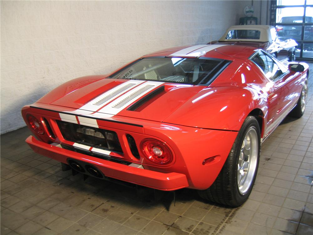 2005 FORD GT COUPE - Rear 3/4 - 88900