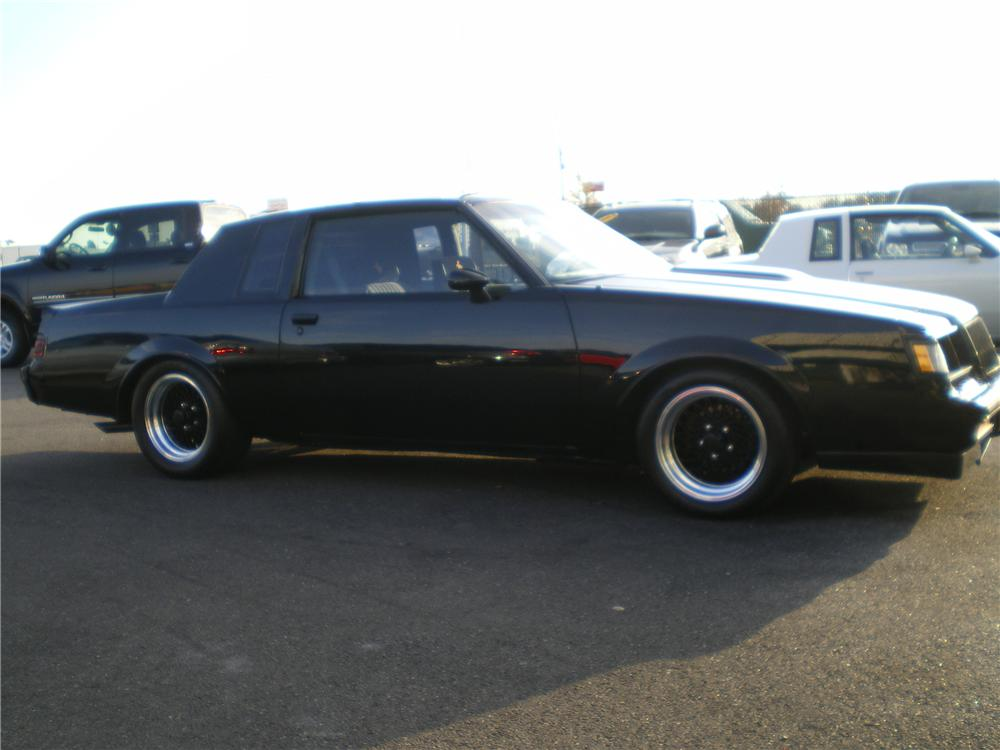 1987 BUICK REGAL GRAND NATIONAL 2 DOOR HARDTOP - Side Profile - 88906