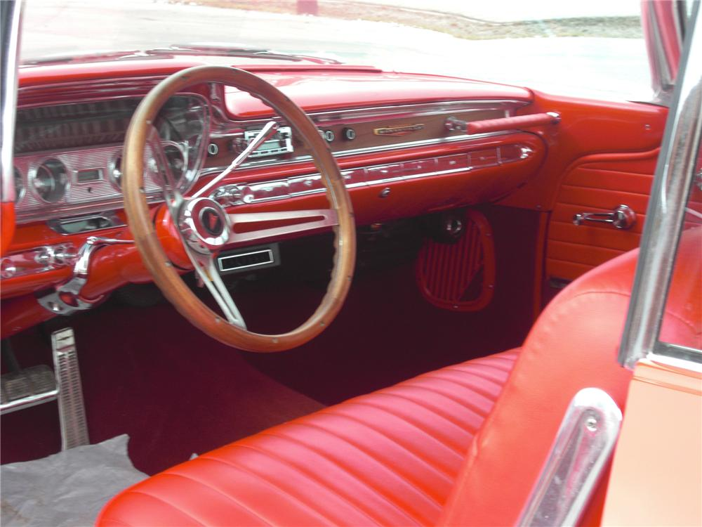 1960 PONTIAC BONNEVILLE CUSTOM 2 DOOR HARDTOP - Interior - 88916