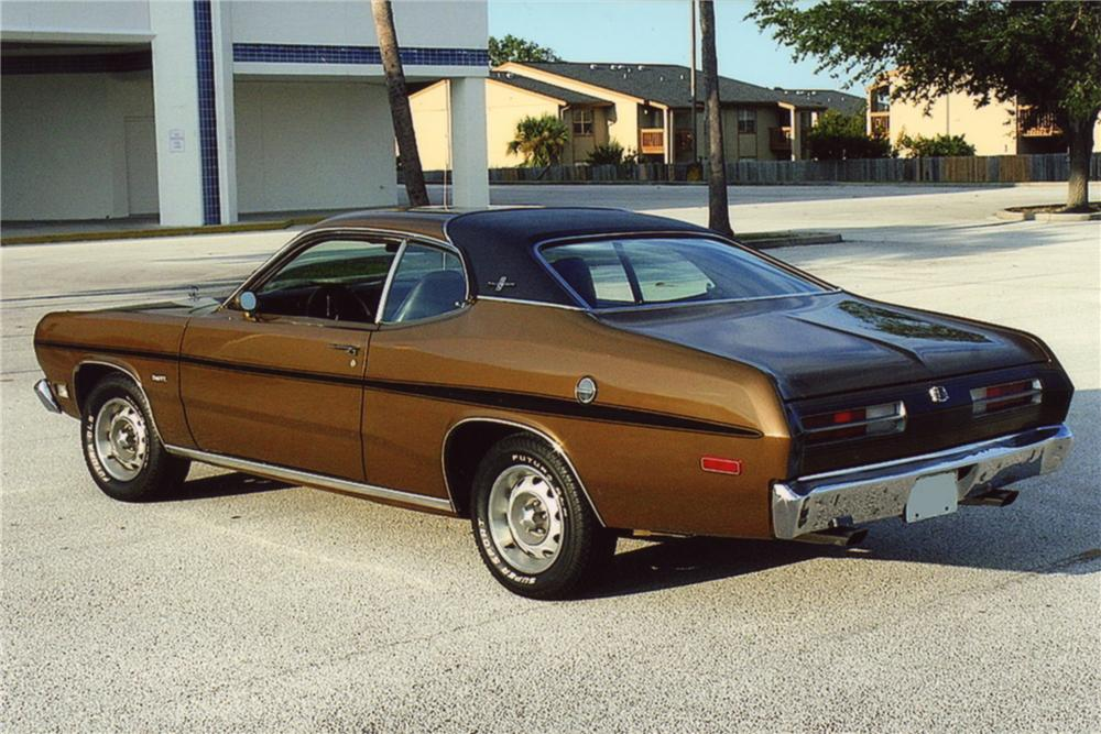 1972 PLYMOUTH DUSTER 2 DOOR COUPE - Rear 3/4 - 88921