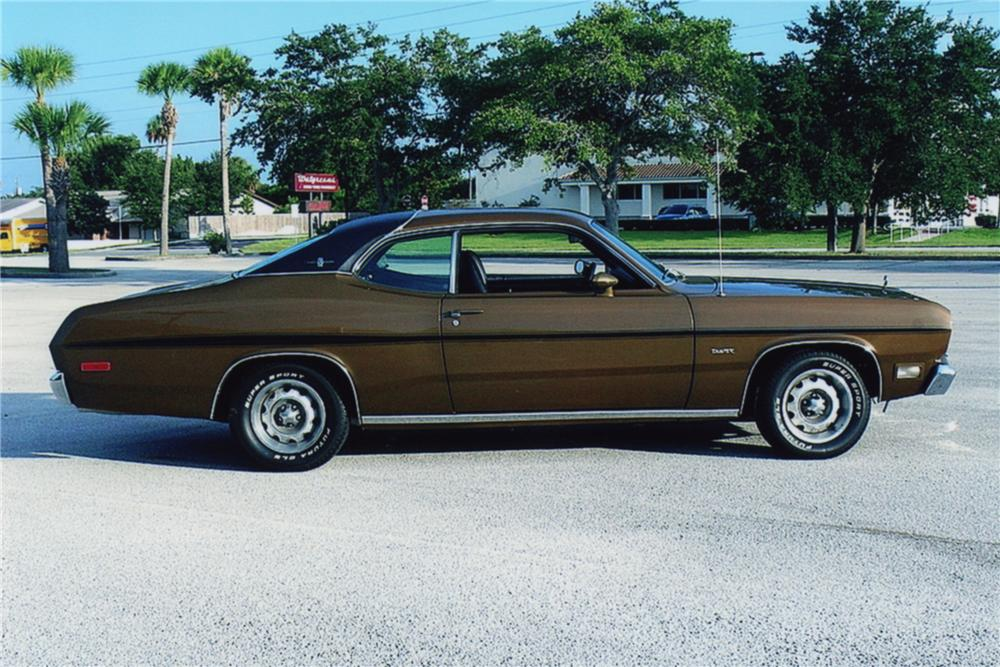 1972 PLYMOUTH DUSTER 2 DOOR COUPE - Side Profile - 88921