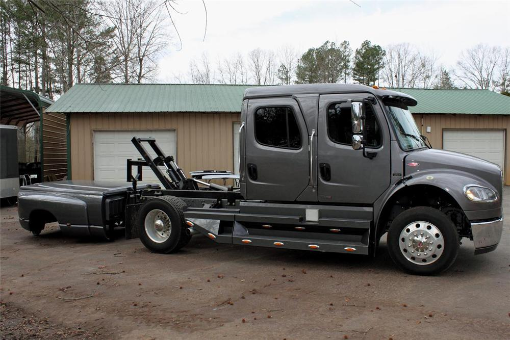 2006 FREIGHTLINER SPORT CHASSIS P2 TRUCK - Side Profile - 88935