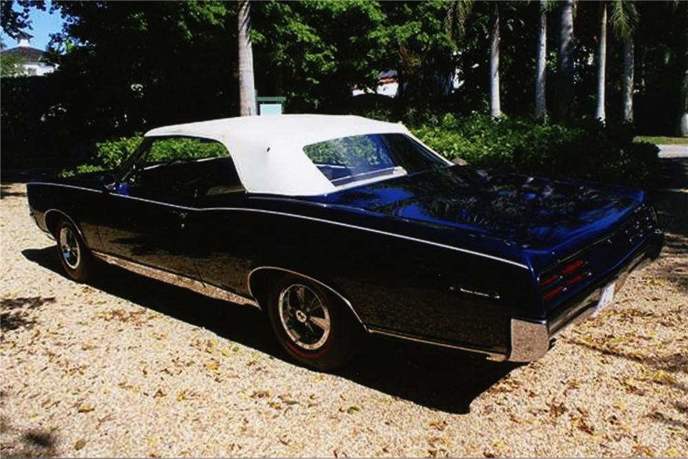1967 PONTIAC GTO CONVERTIBLE - Rear 3/4 - 88937