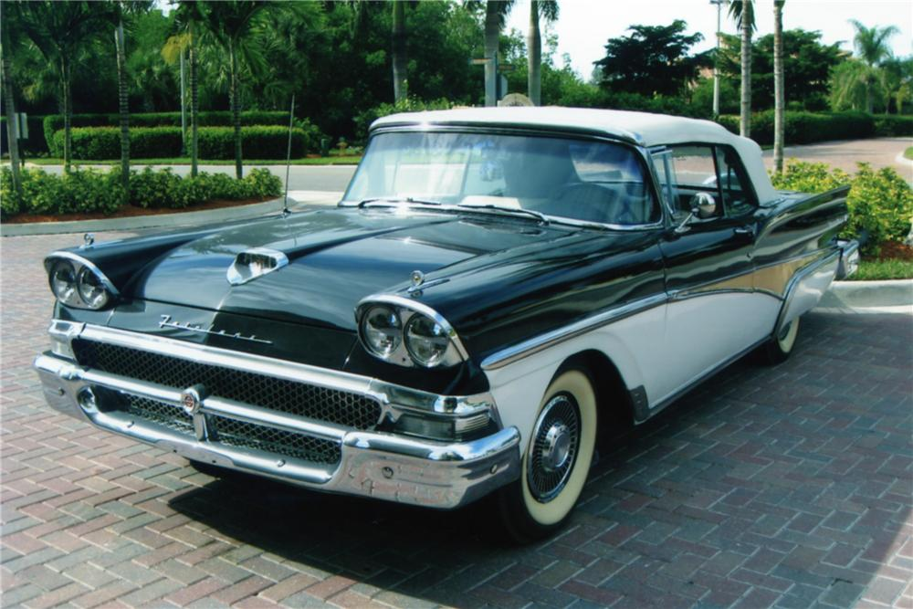 1958 FORD FAIRLANE CONVERTIBLE - Front 3/4 - 88940