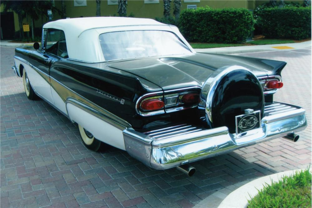 1958 FORD FAIRLANE CONVERTIBLE - Rear 3/4 - 88940