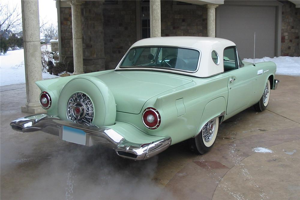 1957 FORD THUNDERBIRD CONVERTIBLE - Rear 3/4 - 88947