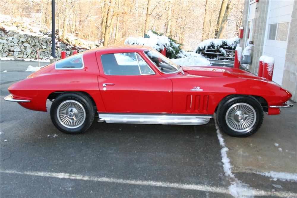 1966 CHEVROLET CORVETTE CUSTOM COUPE - Front 3/4 - 88955