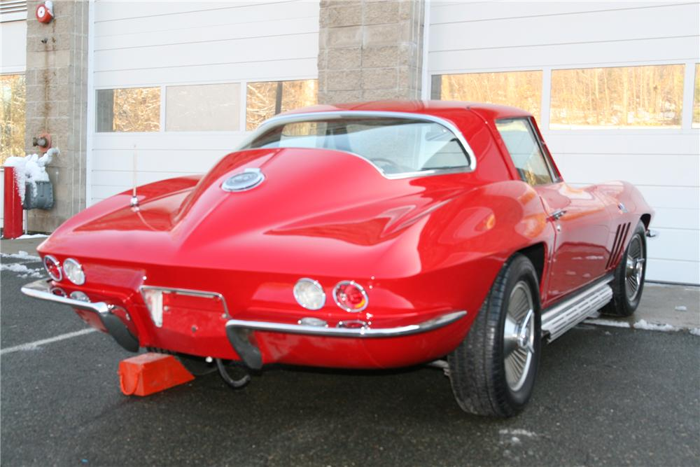 1966 CHEVROLET CORVETTE CUSTOM COUPE - Rear 3/4 - 88955