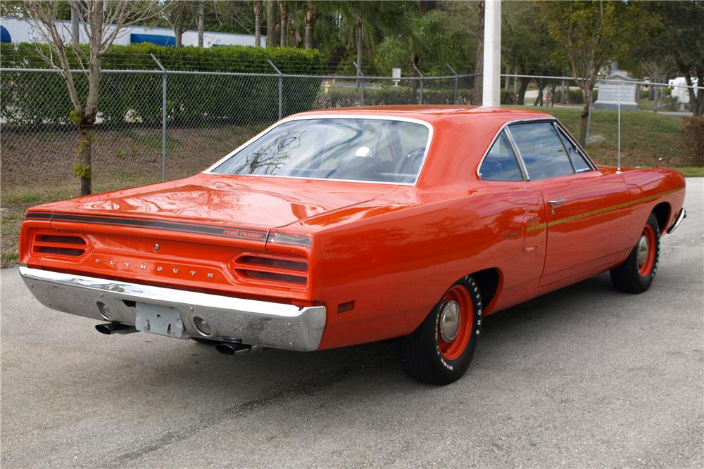 1970 PLYMOUTH ROAD RUNNER COUPE - Rear 3/4 - 88966