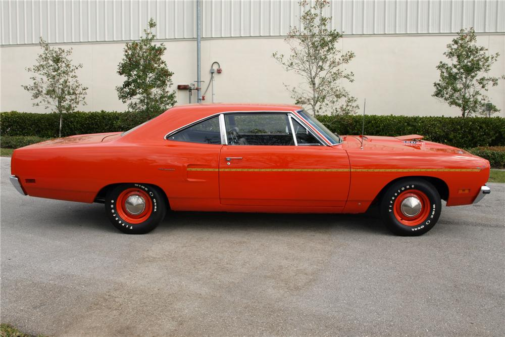 1970 PLYMOUTH ROAD RUNNER COUPE - Side Profile - 88966