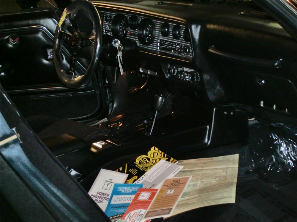 1981 PONTIAC TRANS AM 2 DOOR COUPE - Interior - 88980