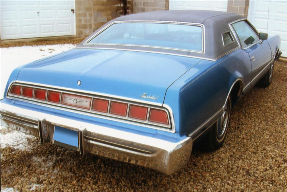 1974 FORD THUNDERBIRD 2 DOOR HARDTOP - Rear 3/4 - 88983