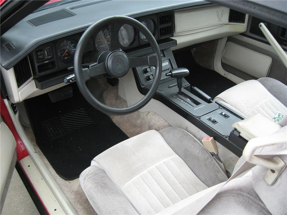 1984 PONTIAC TRANS AM 2 DOOR COUPE - Interior - 88986