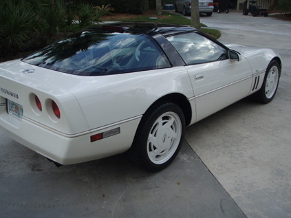 1988 CHEVROLET CORVETTE 35TH ANNIVERSARY EDITION COUPE - Rear 3/4 - 88990