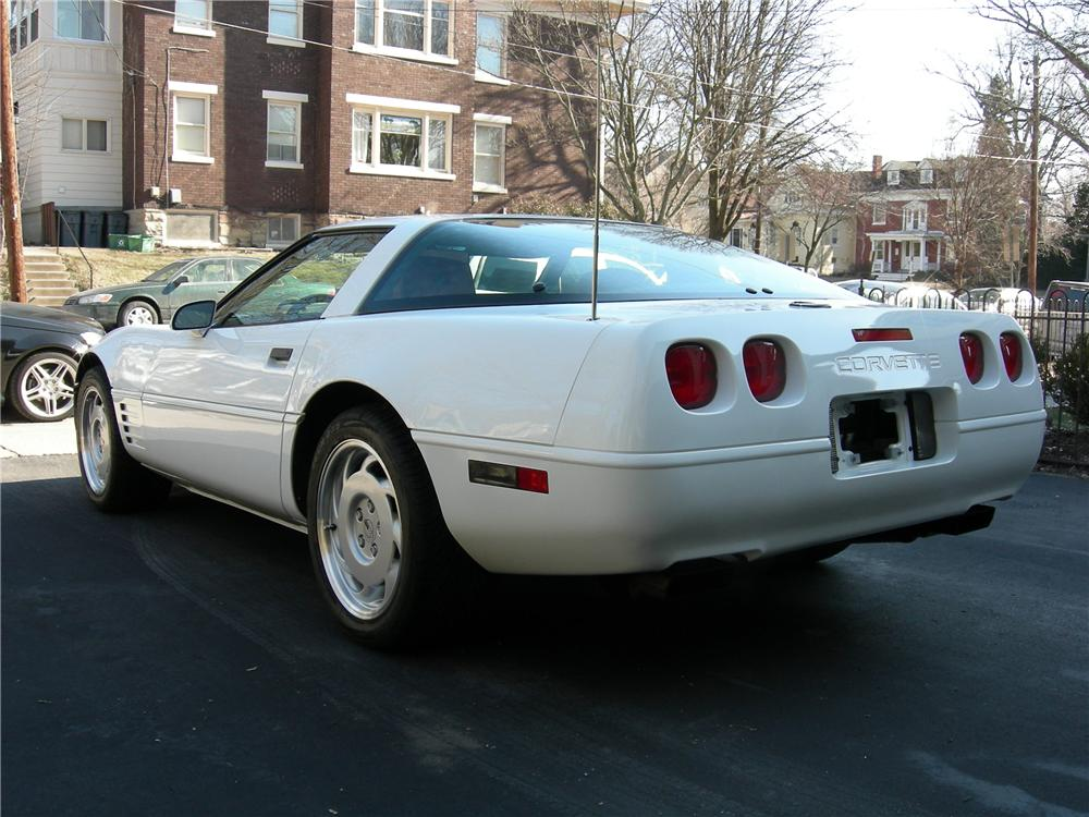 1992 CHEVROLET CORVETTE 2 DOOR HARDTOP - Rear 3/4 - 88991
