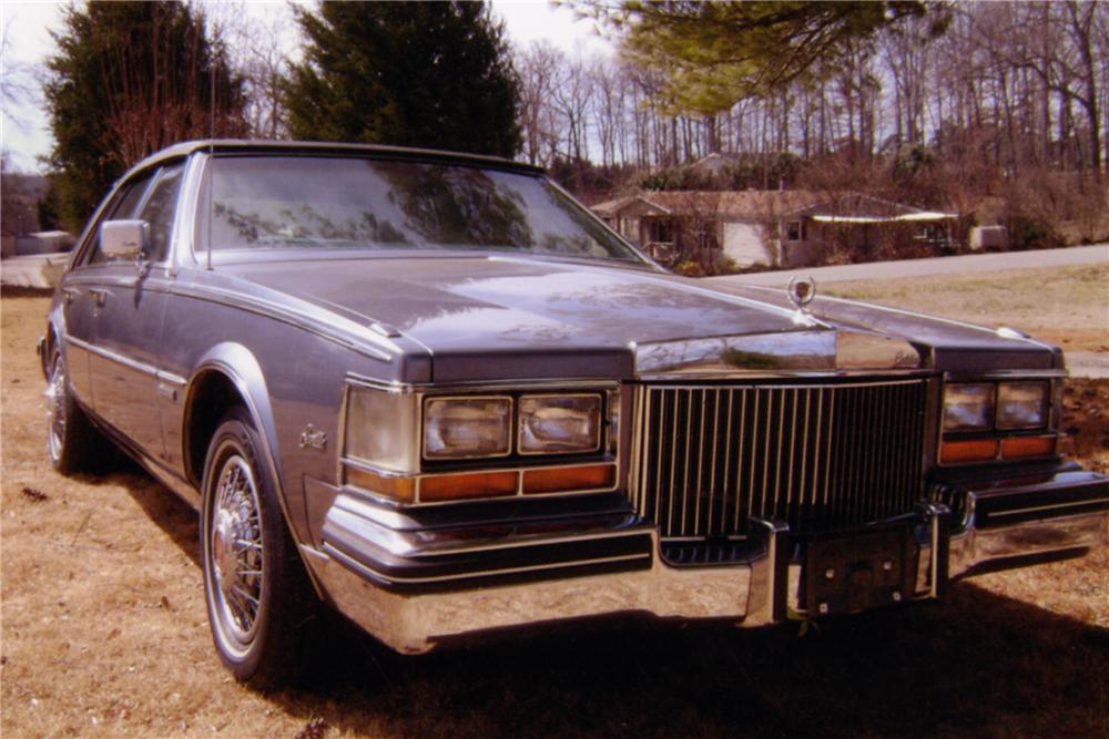 1982 CADILLAC SEVILLE 4 DOOR SEDAN - Front 3/4 - 88992