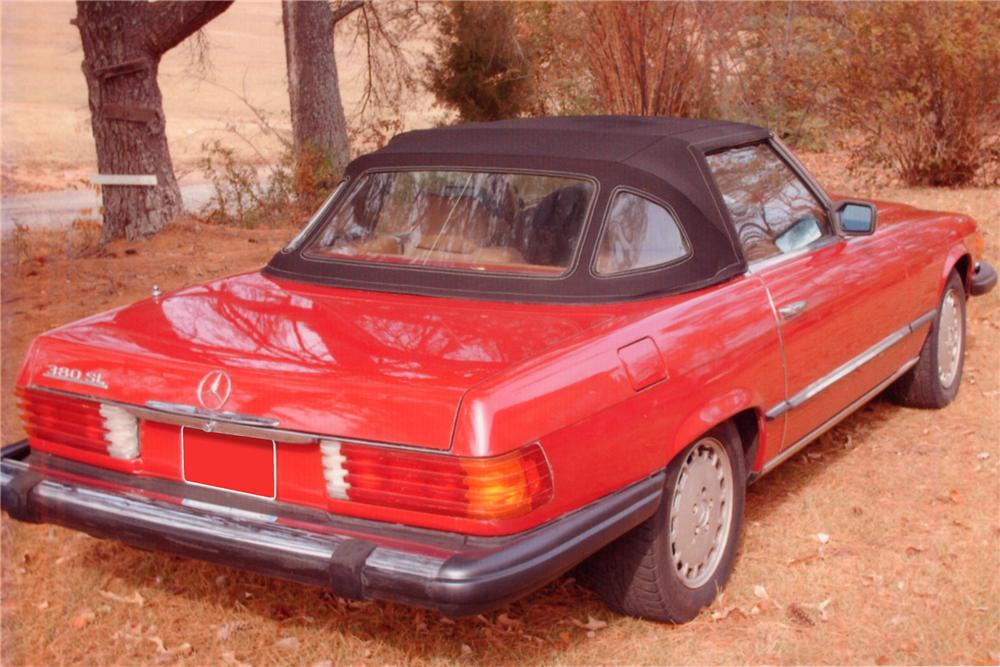 1983 MERCEDES-BENZ 380SL 2 DOOR CONVERTIBLE - Rear 3/4 - 88993