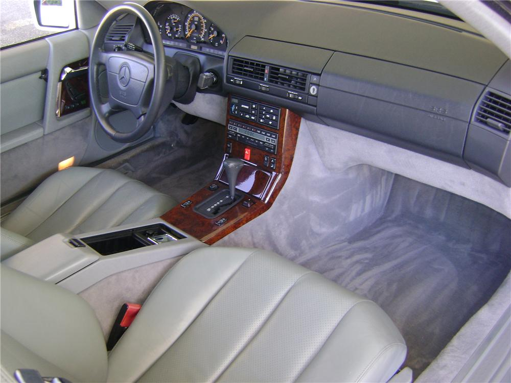 1992 MERCEDES-BENZ 500SL 2 DOOR CONVERTIBLE - Interior - 89007