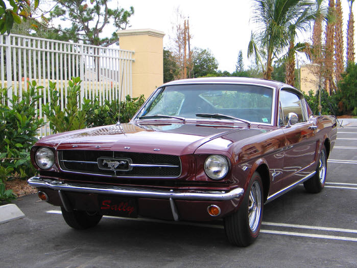 1965 FORD MUSTANG 2 DOOR FASTBACK - Front 3/4 - 89020
