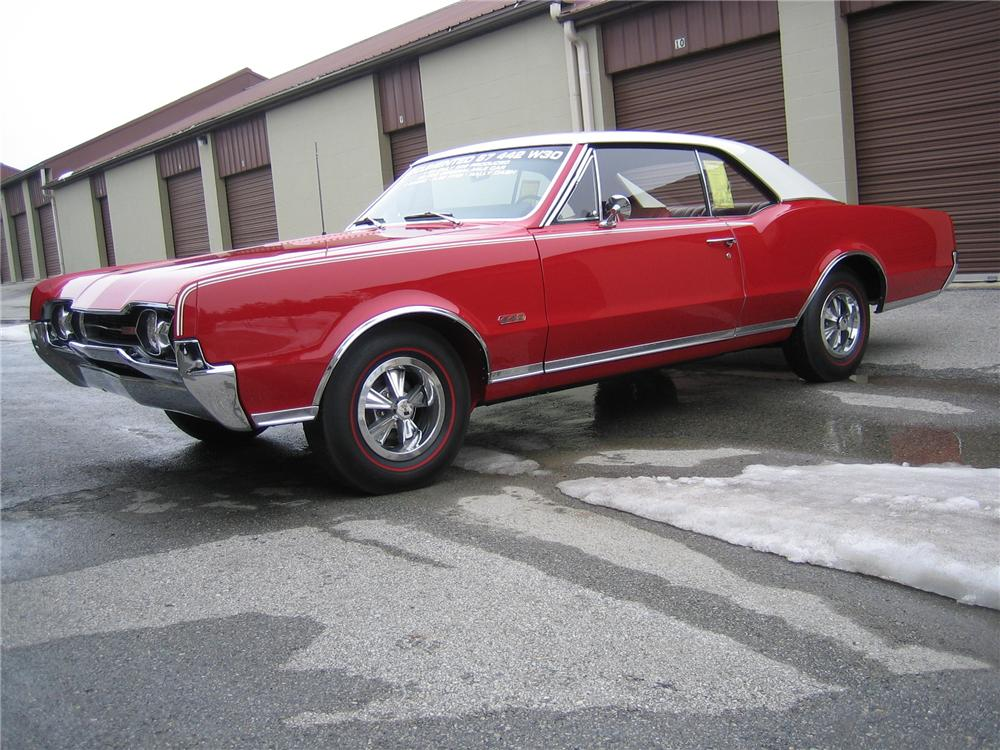 1967 OLDSMOBILE 442 W30 2 DOOR HARDTOP - Side Profile - 89023