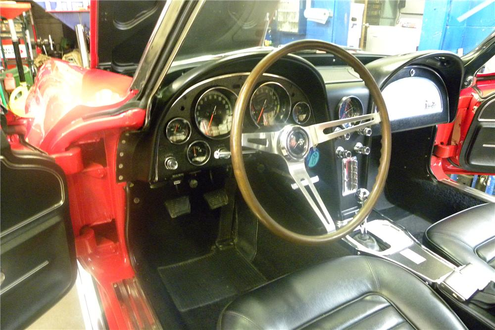 1966 CHEVROLET CORVETTE 2 DOOR CONVERTIBLE - Interior - 89027