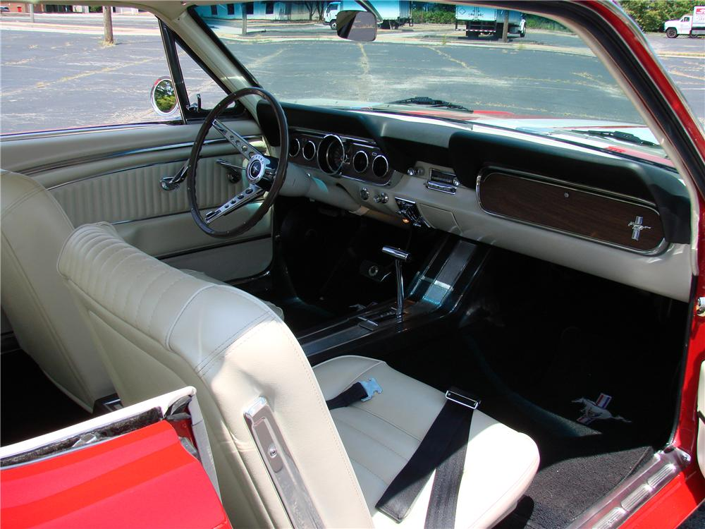 1966 FORD MUSTANG CUSTOM 2 DOOR COUPE - Interior - 89034