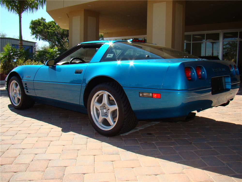 1994 CHEVROLET CORVETTE ZR-1 COUPE - Rear 3/4 - 89042
