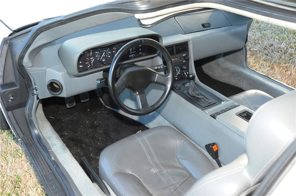 1981 DELOREAN DMC-12 GULLWING - Interior - 89049