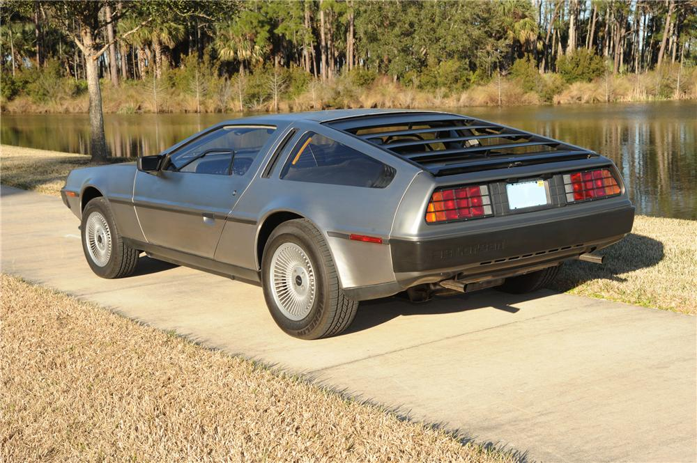 1981 DELOREAN DMC-12 GULLWING - Rear 3/4 - 89049