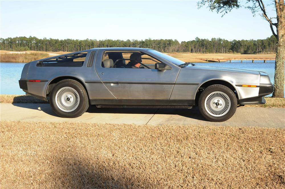 1981 DELOREAN DMC-12 GULLWING - Side Profile - 89049