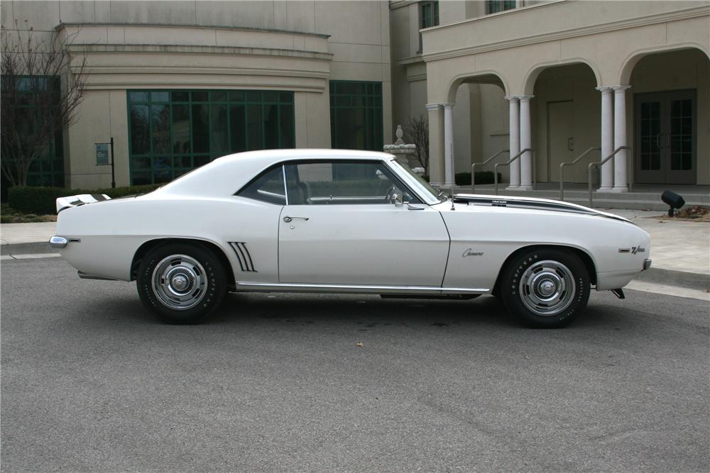 1969 CHEVROLET CAMARO Z/28 2 DOOR COUPE - Side Profile - 89055
