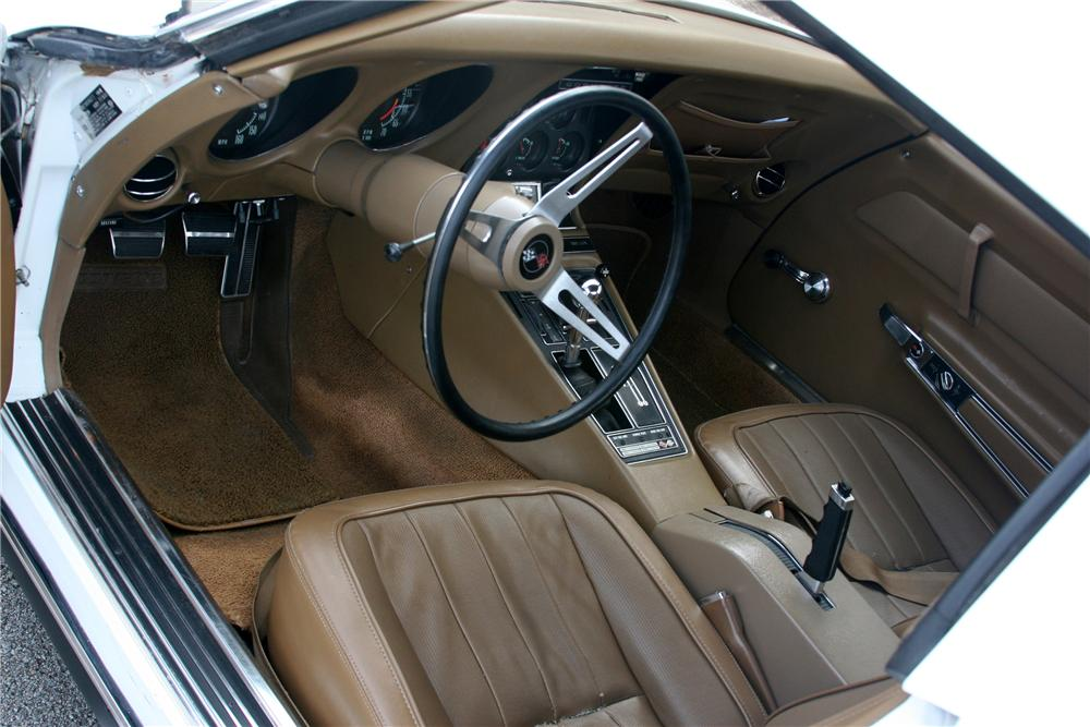 1969 CHEVROLET CORVETTE CUSTOM CONVERTIBLE - Interior - 89056