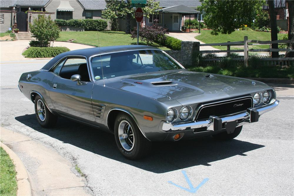 1973 DODGE CHALLENGER 2 DOOR COUPE - Front 3/4 - 89060
