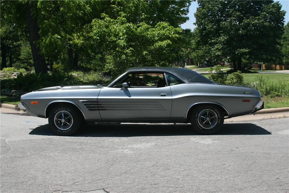 1973 DODGE CHALLENGER 2 DOOR COUPE - Side Profile - 89060